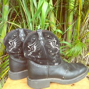 Black leather Justin boots ✝️ Gypsy Cross & Wings